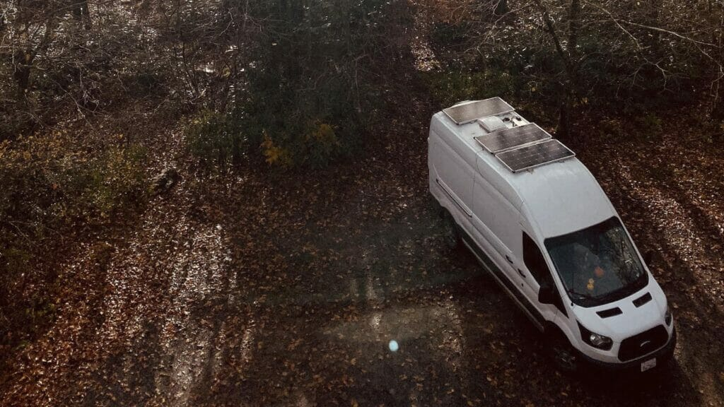 van build with solar panels on the roof